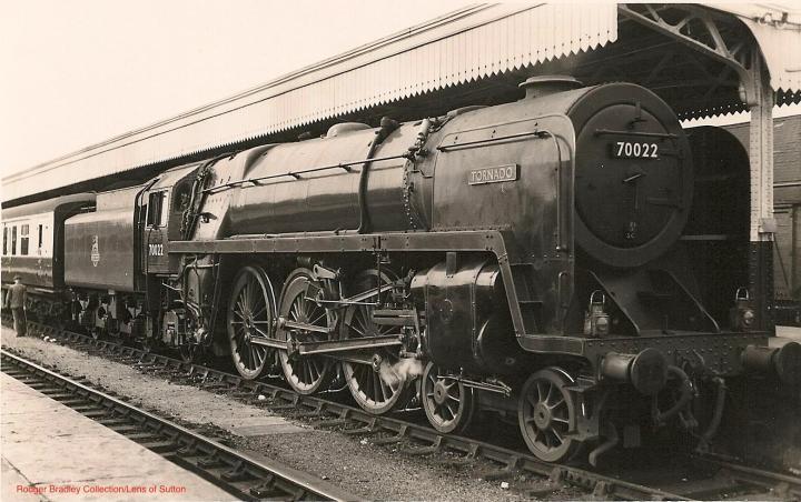 BR 'Britannia' 70022 - Tornado
