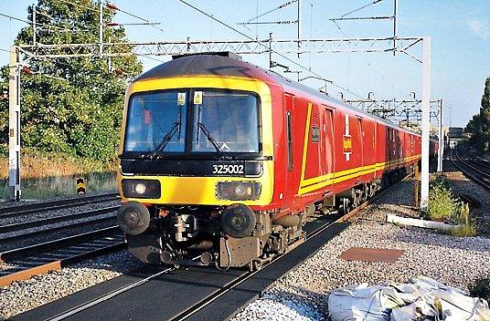 Class 325 TPO set