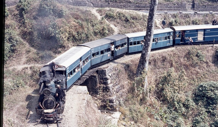 DHR Train on loop - Historical Railway Images copy