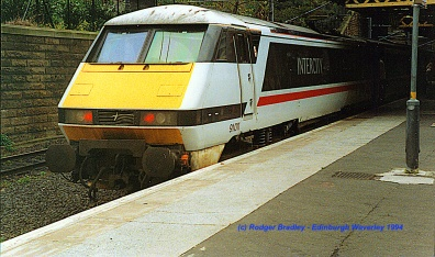Class 91 at Edinburgh Waverley 1994