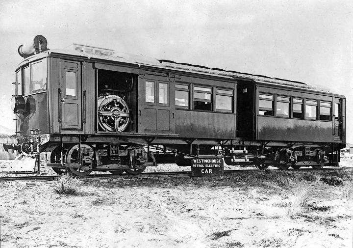 Westinghouse_Petrol-Electric_Railcar_1914_(10467965833) copy