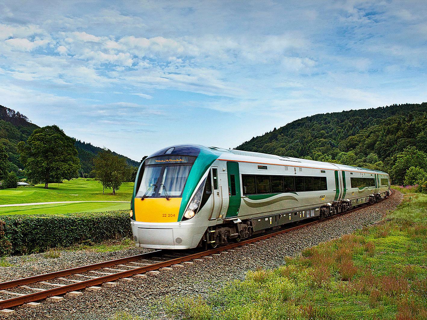 Irish-Rail_Class-22000_